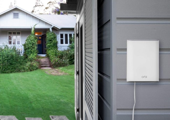 Orbi Outdoor, il satellite WiFi che resiste alle intemperie arriva in Italia