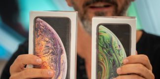 i nuovi iPhone XS e XS Max arrivano nei negozi: li abbiamo aperti per voi