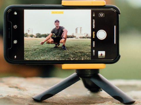 Adonit Photogrip: il kit leggerissimo per scattare ed editare con lo smartphone e la giusta impugnatura