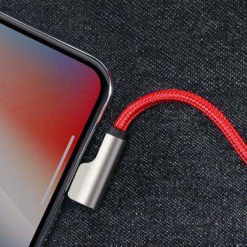 Il cavo USB-Lightining a novanta gradi Aukey risolve i problemi di iPhone con poco spazio per la connessione