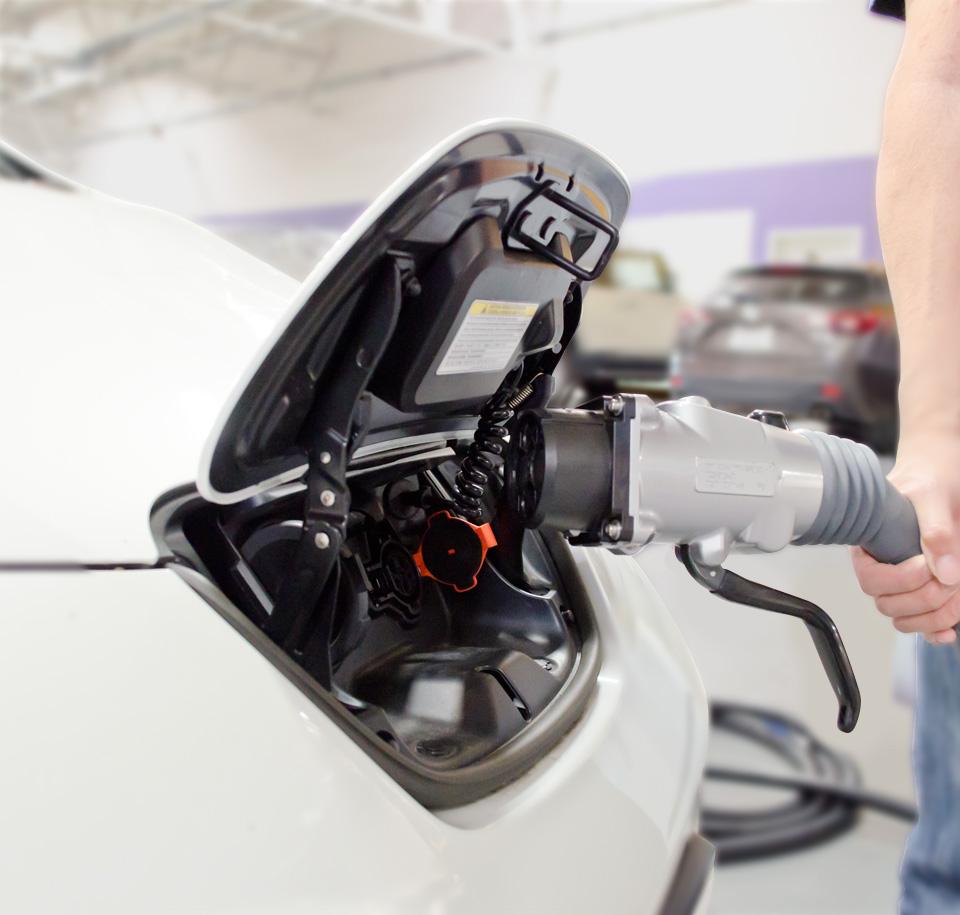 ricaria auto elettriche - foto ricaria auto elettriche