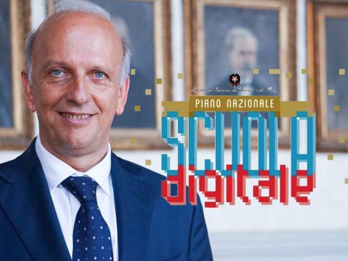 """Un team di esperti per portare l'innovazione a scuola"""", la promessa su Facebook del ministro dell'Istruzione"""