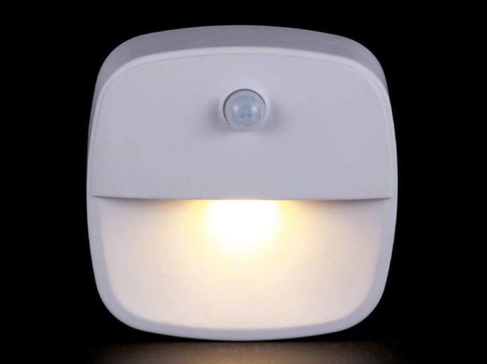 Lampade LED per interni con sensore di movimento a partire da 9,99 euro