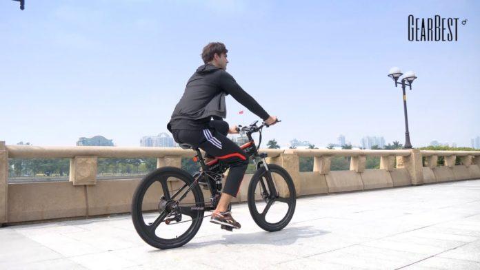 La festa delle bici elettriche, tutte scontate e con accessori in omaggio