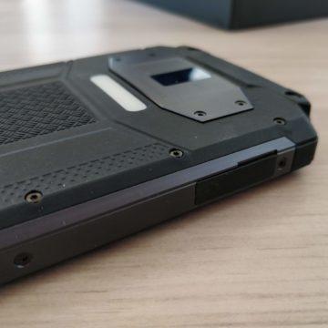 Oukitel WP2, il carro armato degli smartphone con autonomia infinita