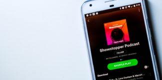 Spotify sfida Apple e apre la sezione podcast a tutti i suoi utenti