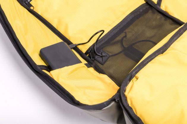 Sunnybag Iconic, lo zaino che ricarica lo smartphone senza fili