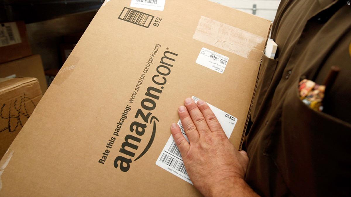 Amazon: spedizione standard gratuita per una settimana