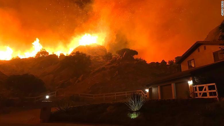Incendio in California - Foto CNN