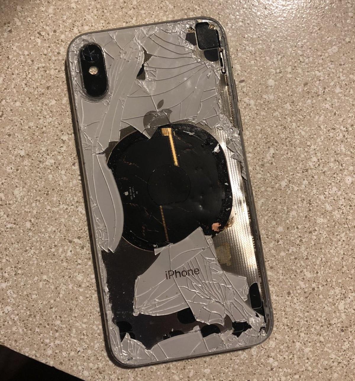 iPhone X esplode dopo l'aggiornamento a iOS 12.1