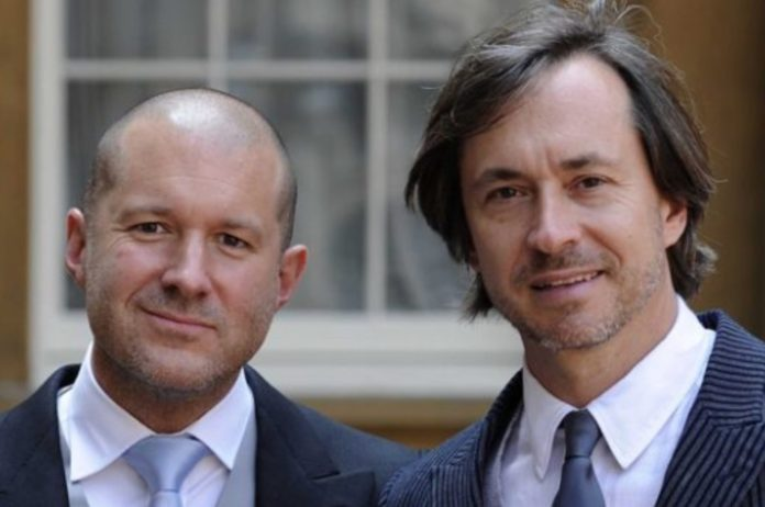 Un anello ideato da Jony Ive e Marc Newson