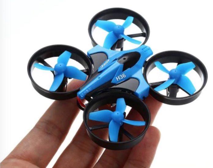 JJRC H36, il mini drone per giocare e allenarsi con il volo