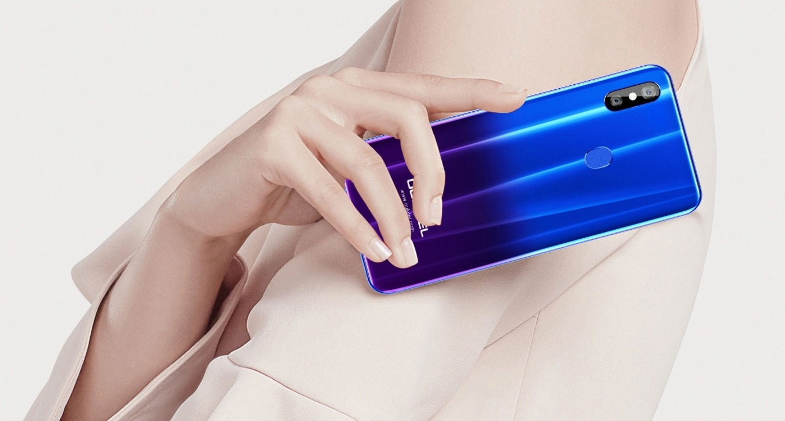 OUKITEL U23, il clone di Huawei P20 e Samsung Galaxy S9 costa solo 186 euro