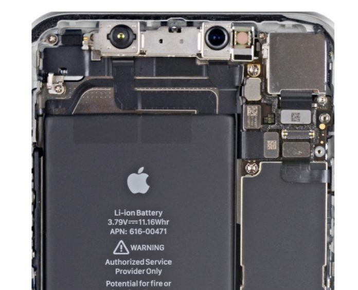 Gli sfondi iPhone XR bucano lo schermo per mostrare l'hardware