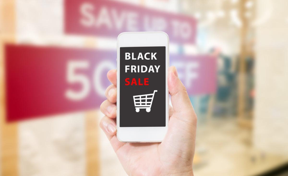 Black Friday 2018, lo shopping è cominciato prima ed è sempre più mobile e social