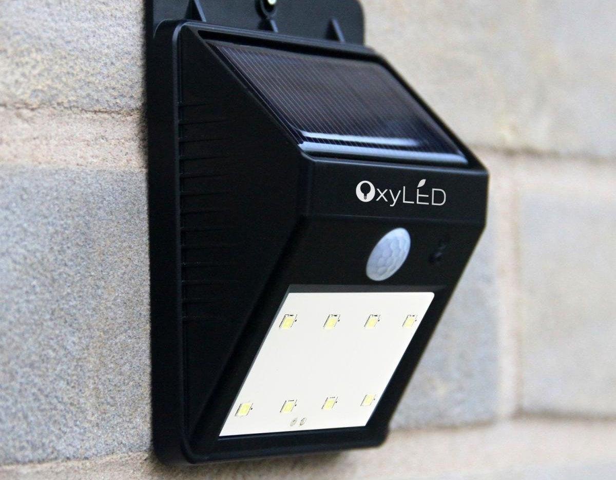 Lampada Led Per Esterni Con Sensori E Impermeabile In Offerta A 7