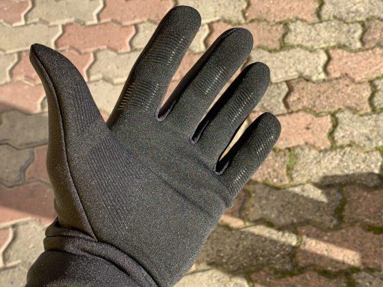 Il guanto All-new Touchscreen Gloves di Mujjo a palmo aperto