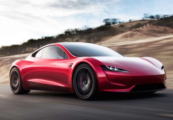 Apple assume un designer Tesla di alto profilo