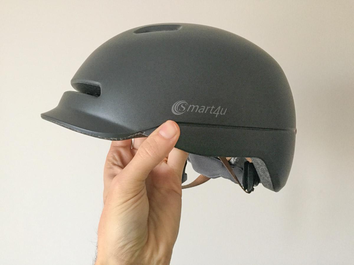 Recensione Xiaomi Smart4u, il casco per ciclisti con luce LED posteriore