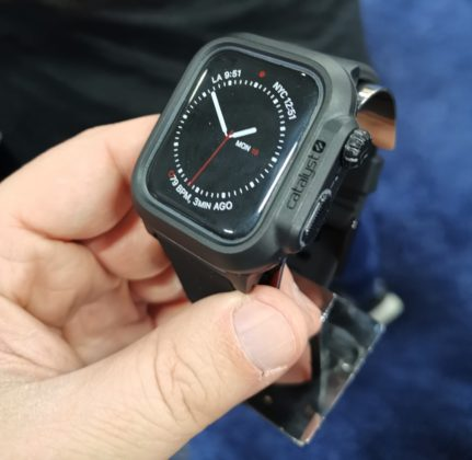 Al CES 2019 Catalyst con la cover subacquea per Apple Watch 4