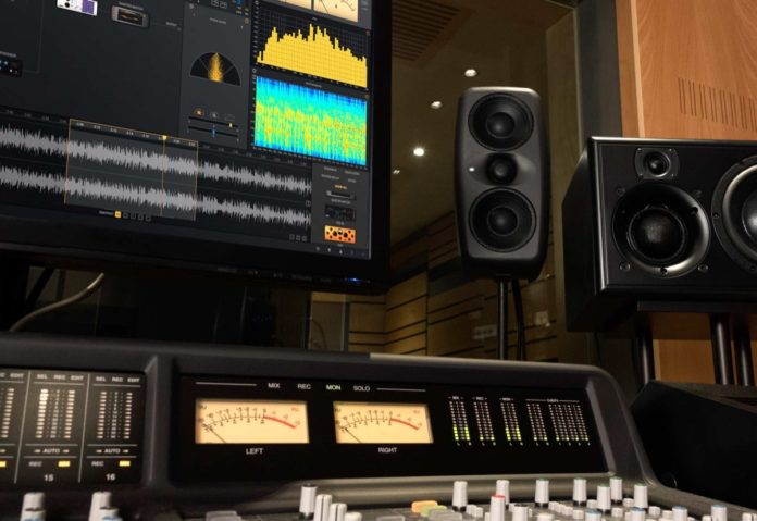 iLoud MTM, lo studio monitoring re-inventato di IK Multimedia