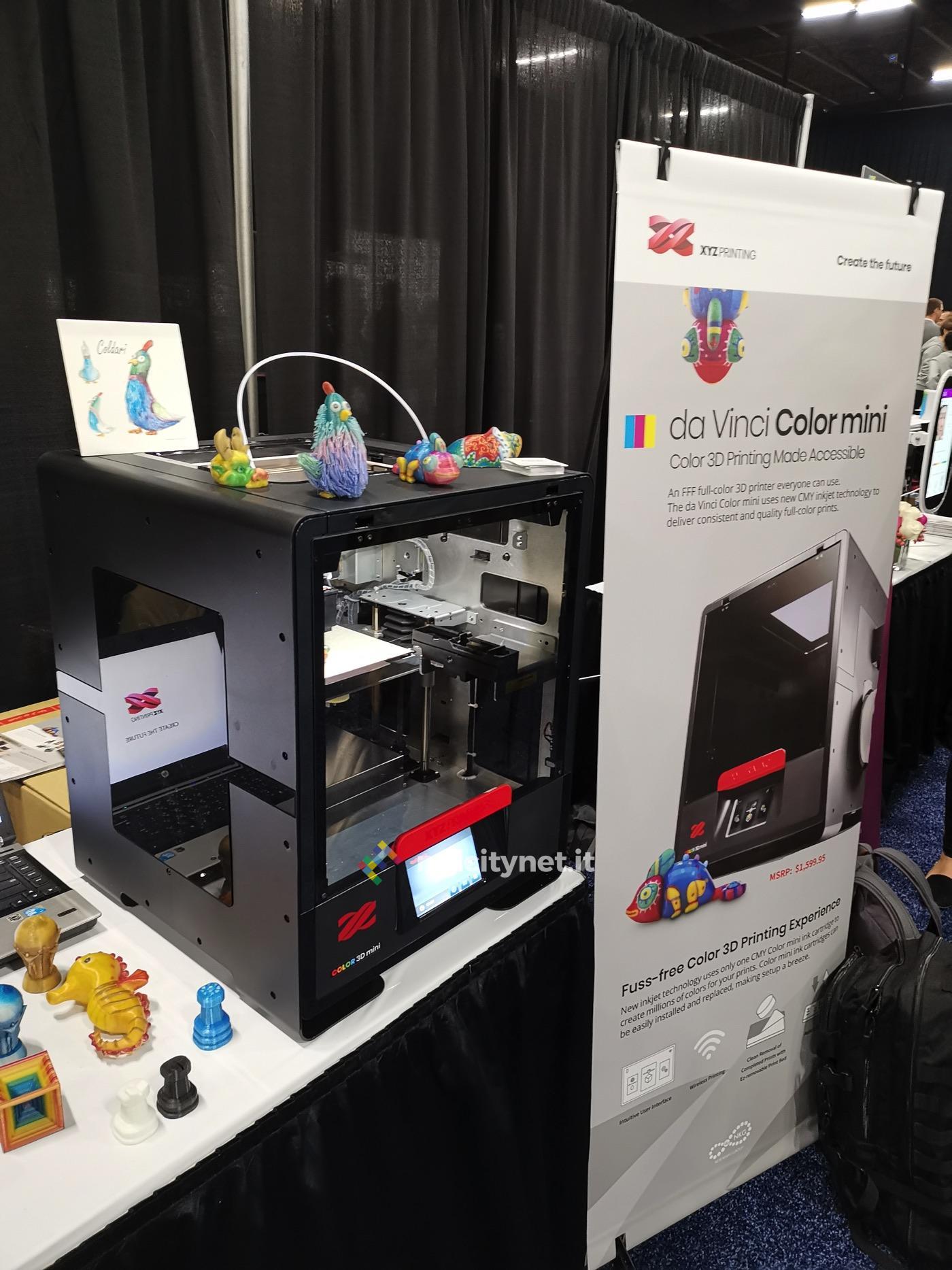 XYZprinting mostra la stampante 3D Da Vinci Color mini al CES di Las Vegas