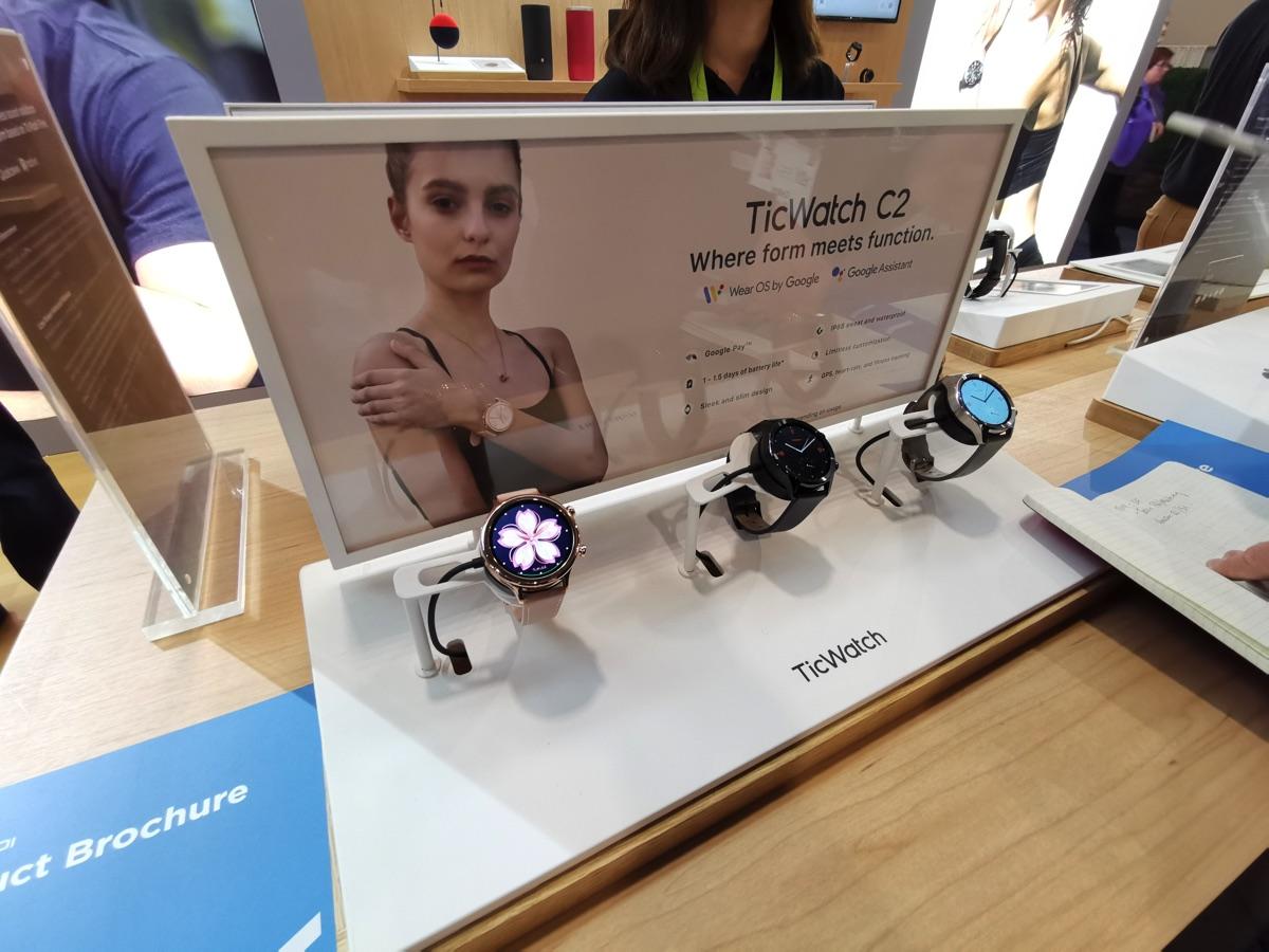Al CES 2019 i nuovi smartwatch TicWatch E2 e TicWatch S2 con Wear OS di Google
