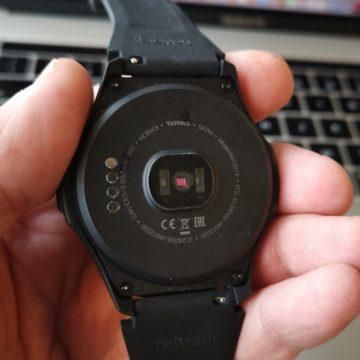 TicWatch E2 e TicWatch S2 disponibili in Italia: gli smartwatch WearOS per l'analisi del nuoto e il fitness con AI