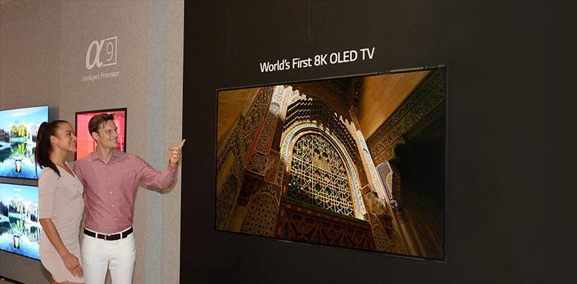 In occasione dell'IFA di Berlino, ad agosto del 2018 LG ha presentato la prima TV OLED 8K al mondo (7680 x 4320): un mega-display da 88 pollici.