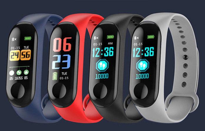 """Solo 5 €: la smartband """"simil Mi Band 3"""" con cardiofrequenzimetro e pressione sanguigna"""