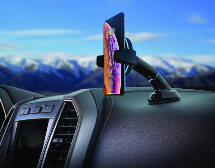 MagicGrip, il supporto iPhone da auto con ricarica wireless e braccia motorizzate