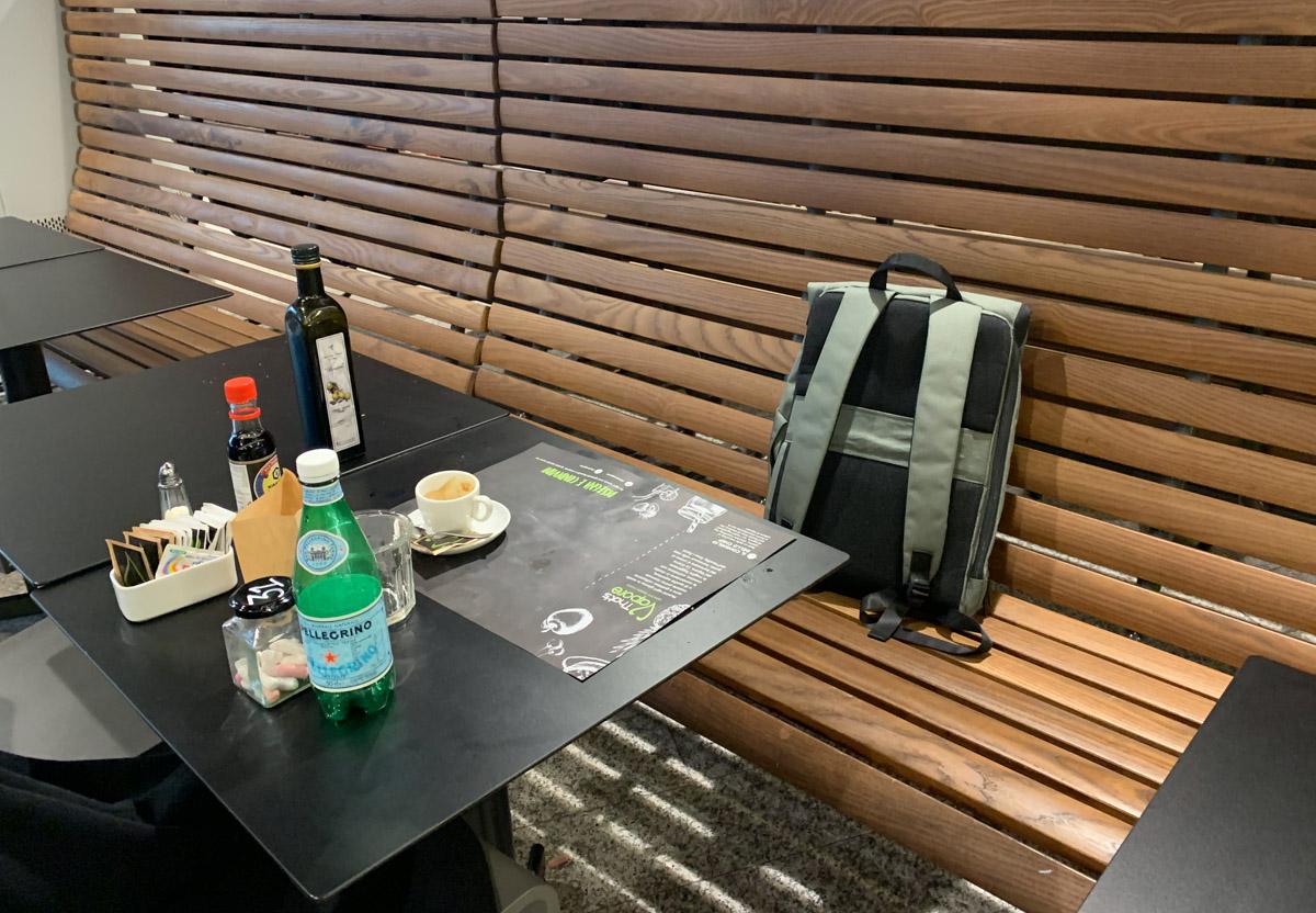 Recensione OnePlus Explorer, lo zainetto con carattere minimal