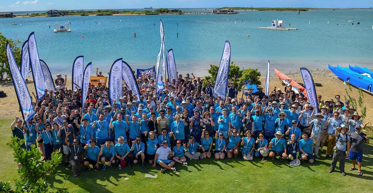 Alcuni membri dei team delle 15 università che hanno partecipato al Maritime RobotX Challenge