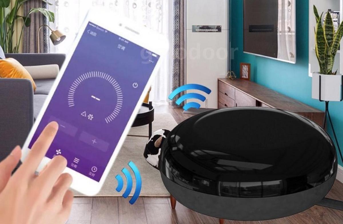 UFO-R1 trasforma lo smartphone e la voce in un telecomando IR universale
