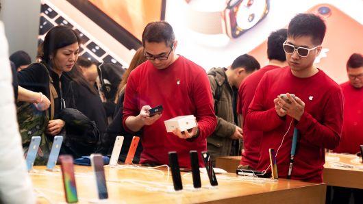 Gli utenti aspettano quattro anni per cambiare modello di iPhone