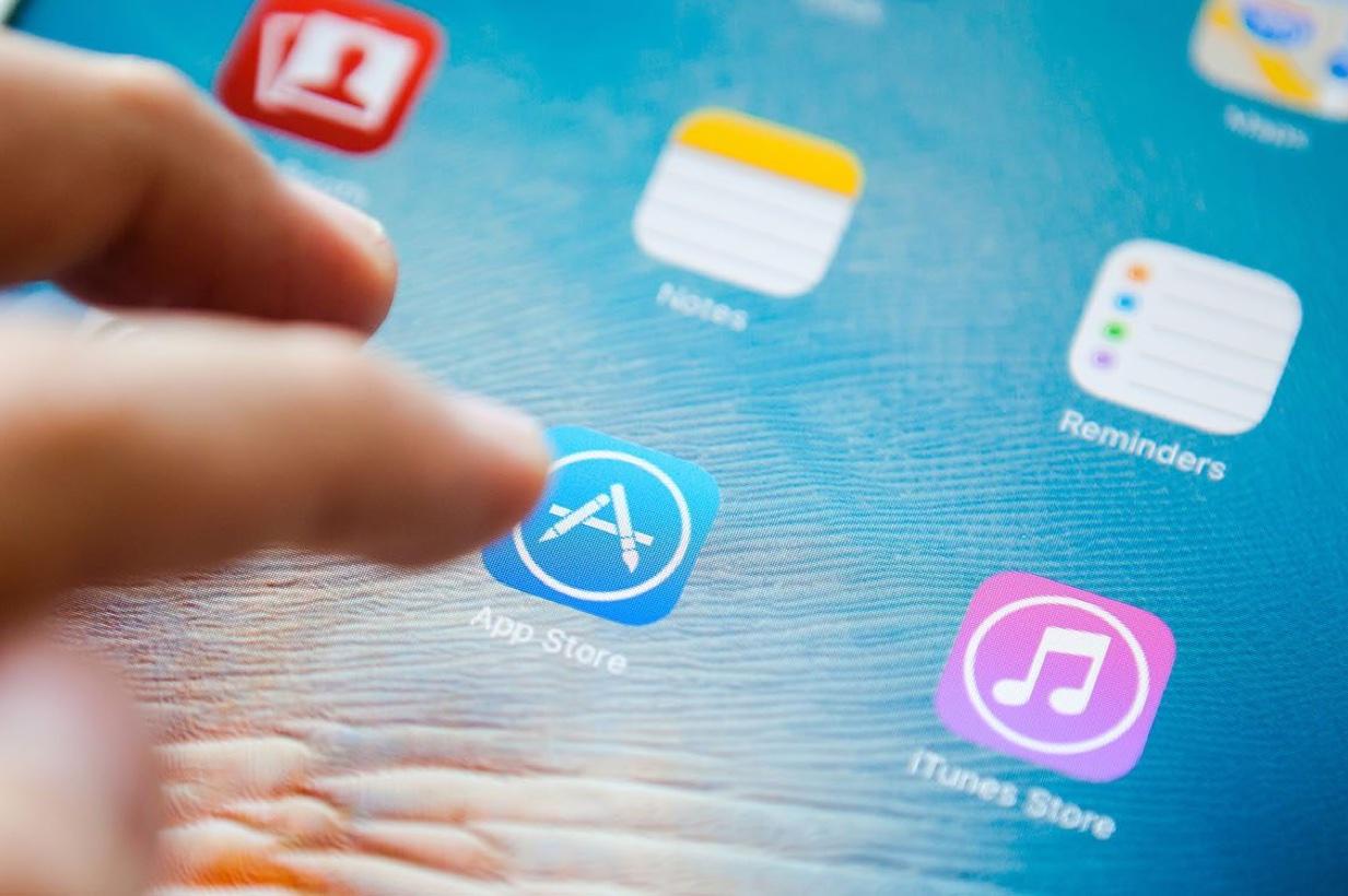 Gli utenti iPhone USA spendono 79 dollari nelle app: esplodono gli abbonamenti