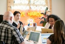 Apple sceglie l'associazione Dream Corps ed espande il programma #Youcode alle minoranze