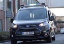 Ford studia come far comunicare i veicoli a guida autonoma con gli utenti della strada
