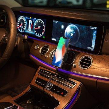 Da Gocomma il caricatore wireless smart da auto con ricarica rapida