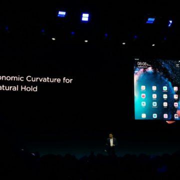 Al MWC 2019 Huawei Mate X, lo smartphone pieghevole senza notch e con tre display