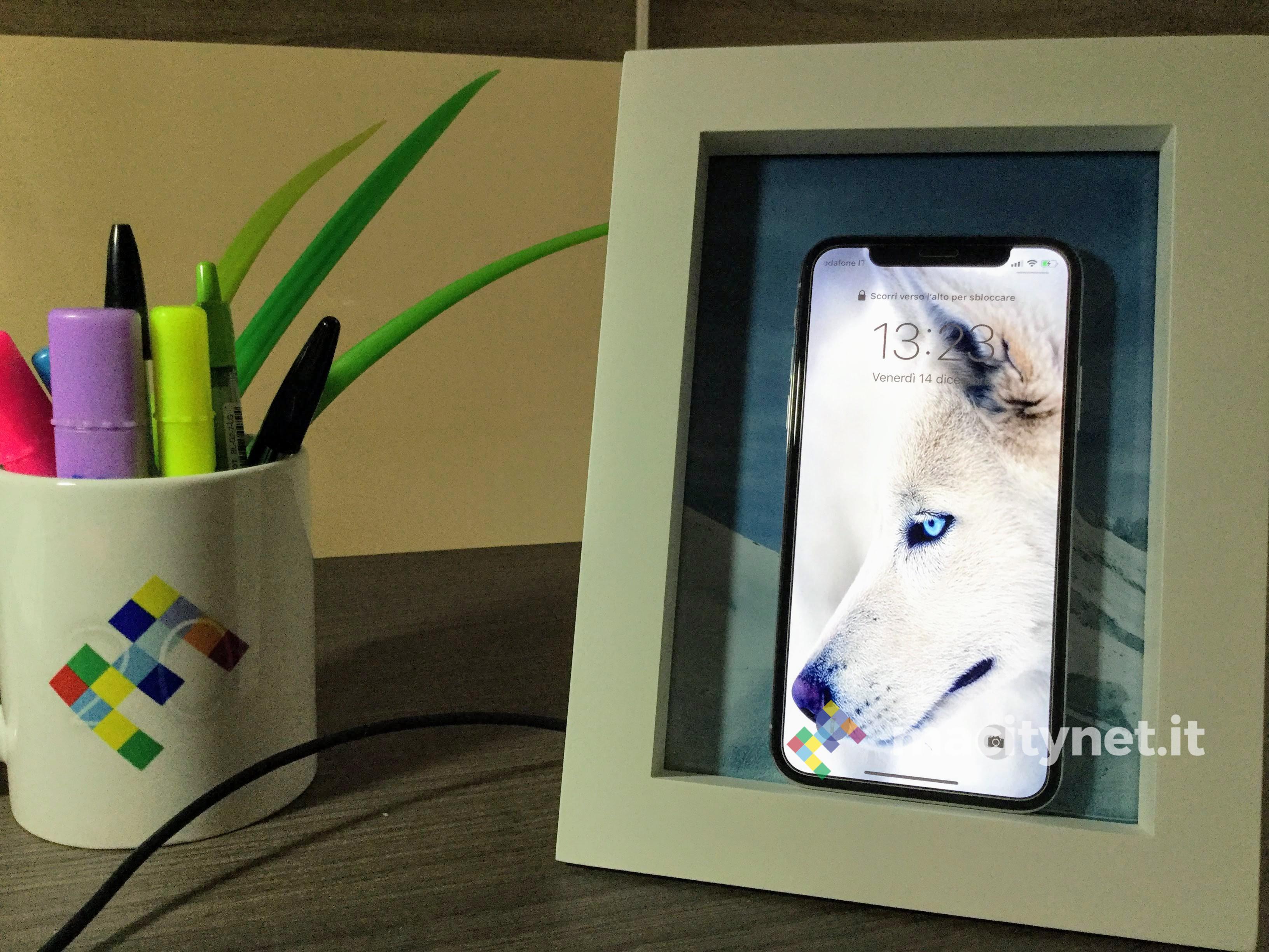 Recensione Power Pic, quando la cornice ricarica l'iPhone