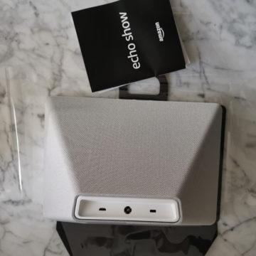 Unboxing Amazon Echo Show Italiano: vediamo da vicino l''Echo da 10 pollici di schermo: fotogalleria e video