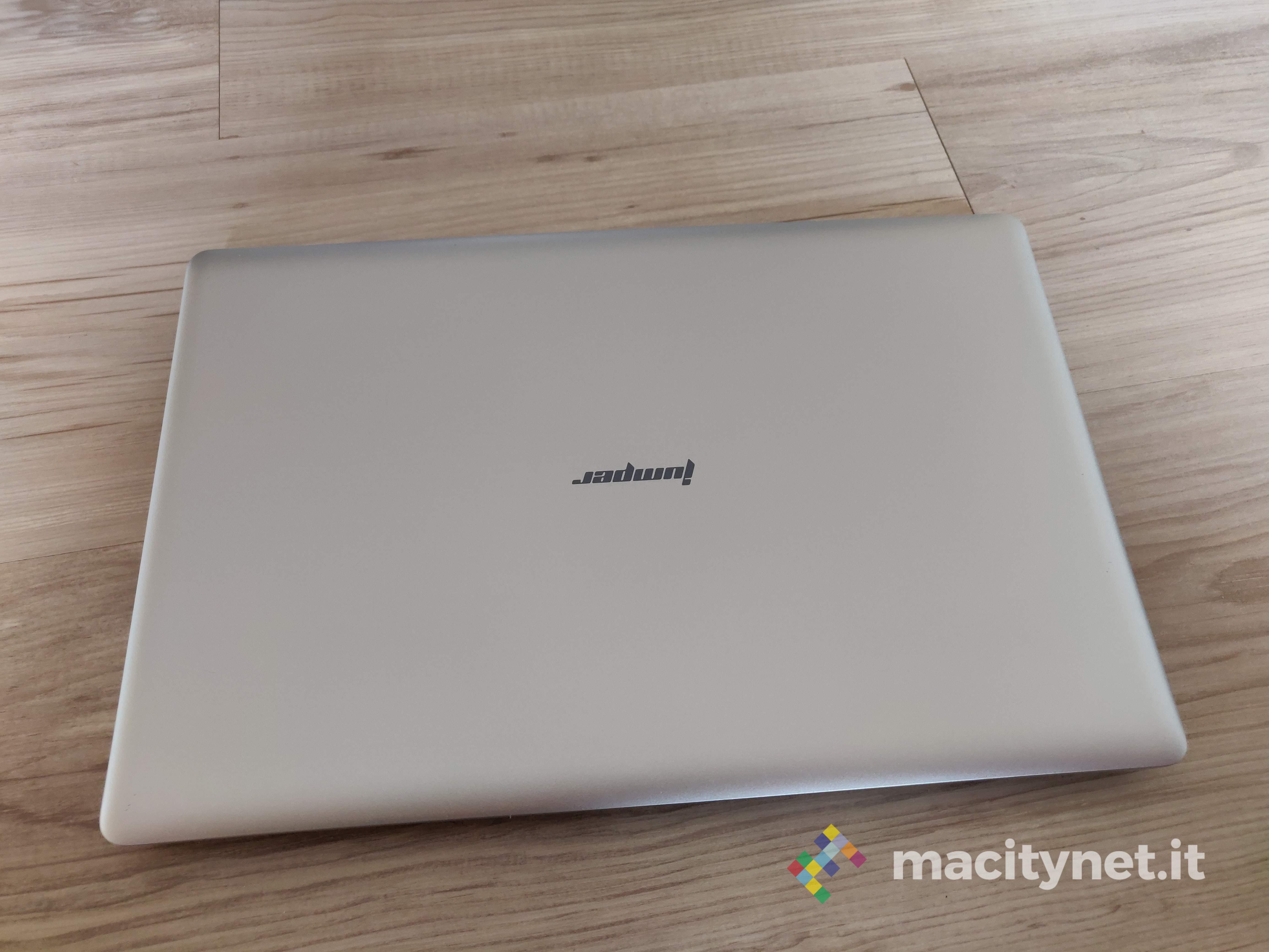 Recensione Jumper EZbook S4, con SSD e 8 GB di RAM