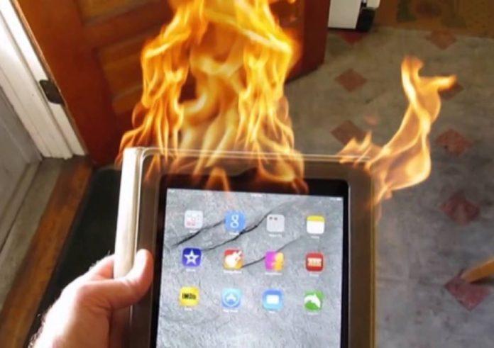 iPad esplode e uccide un uomo, Apple accusata di omicidio
