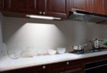Lampada LED wireless per interni con sensore di movimento a 18,39 euro