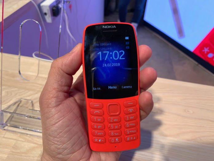 Il Nokia 210 è tornato: versione 2019 del dumb phone al MWC 2019