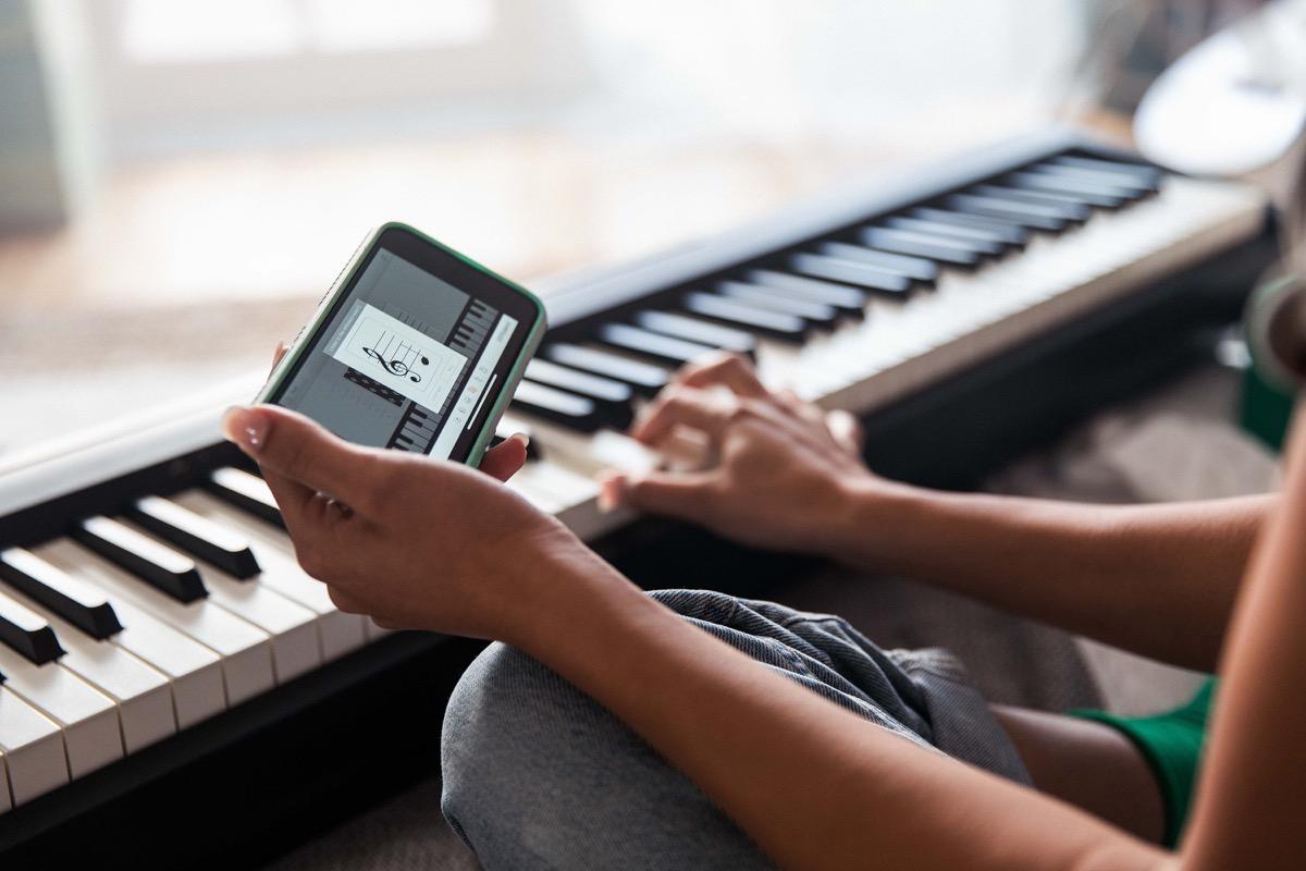 Roland FP-10, il pianoforte digitale con il Bluetooth