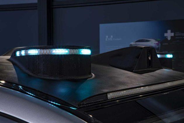 Mercedes-Benz studia segnalazioni luminose per le auto a guida autonoma