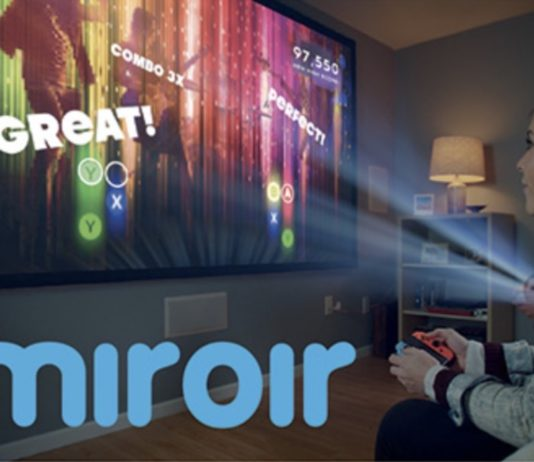 Miroir M631 Ultra Pro Projector è il proiettore full HD con USB-C che si mette in borsa
