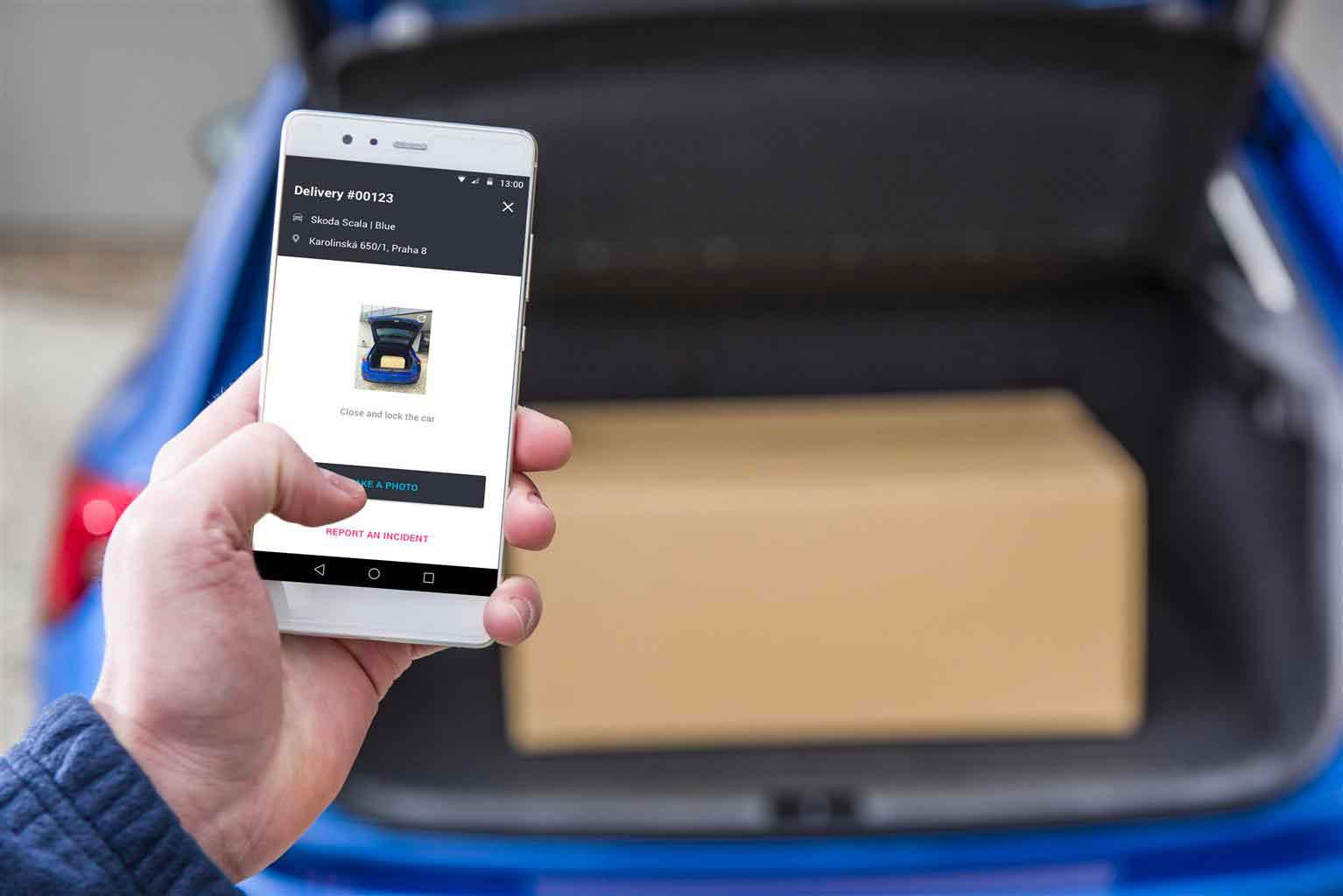 Ricevere un pacco in auto